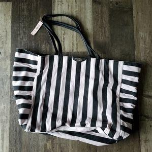Brand new Victoria secret bag, very clean